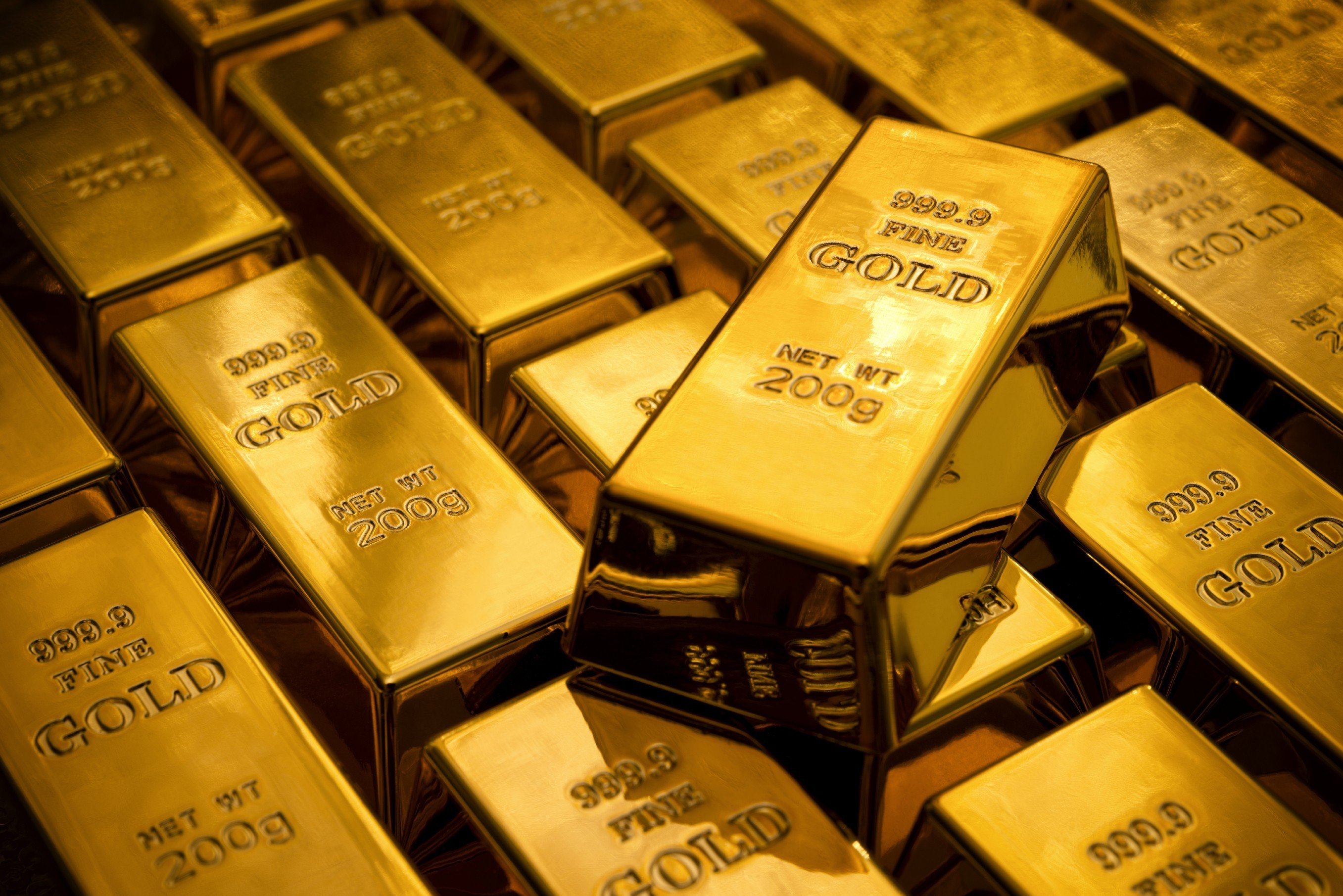 Who Decides How Valuable Gold Is?