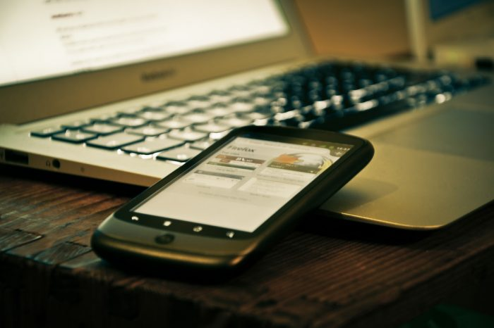 How To Stay On The Right Side Of The Law With Mobile Hiring And Social Vetting